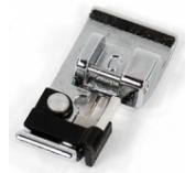 Лапка Janome оверлочная для горизонтального челнока Janome артикул J822-801-001 Overlock foot