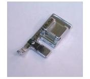 Лапка Janome для одинарного шнура артикул J940-110-000 Cording foot