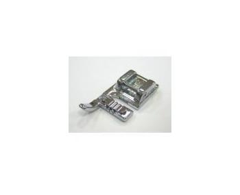 Лапка Janome для пришивания тройного шнура артикул J743-813-008 Cording foot фото